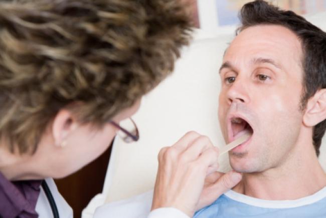 Гнойная ангина представляет собой острое воспаление миндалин, которое может произойти как со взрослым человеком...